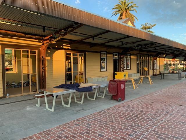 Mentone Station